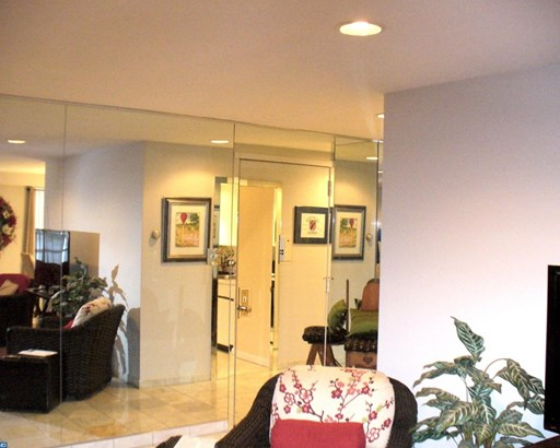 Unit/Flat, Contemporary - LOWER MERION, PA (photo 2)