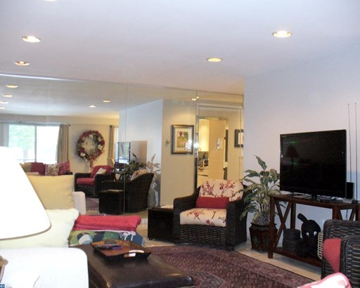 Unit/Flat, Contemporary - LOWER MERION, PA (photo 5)