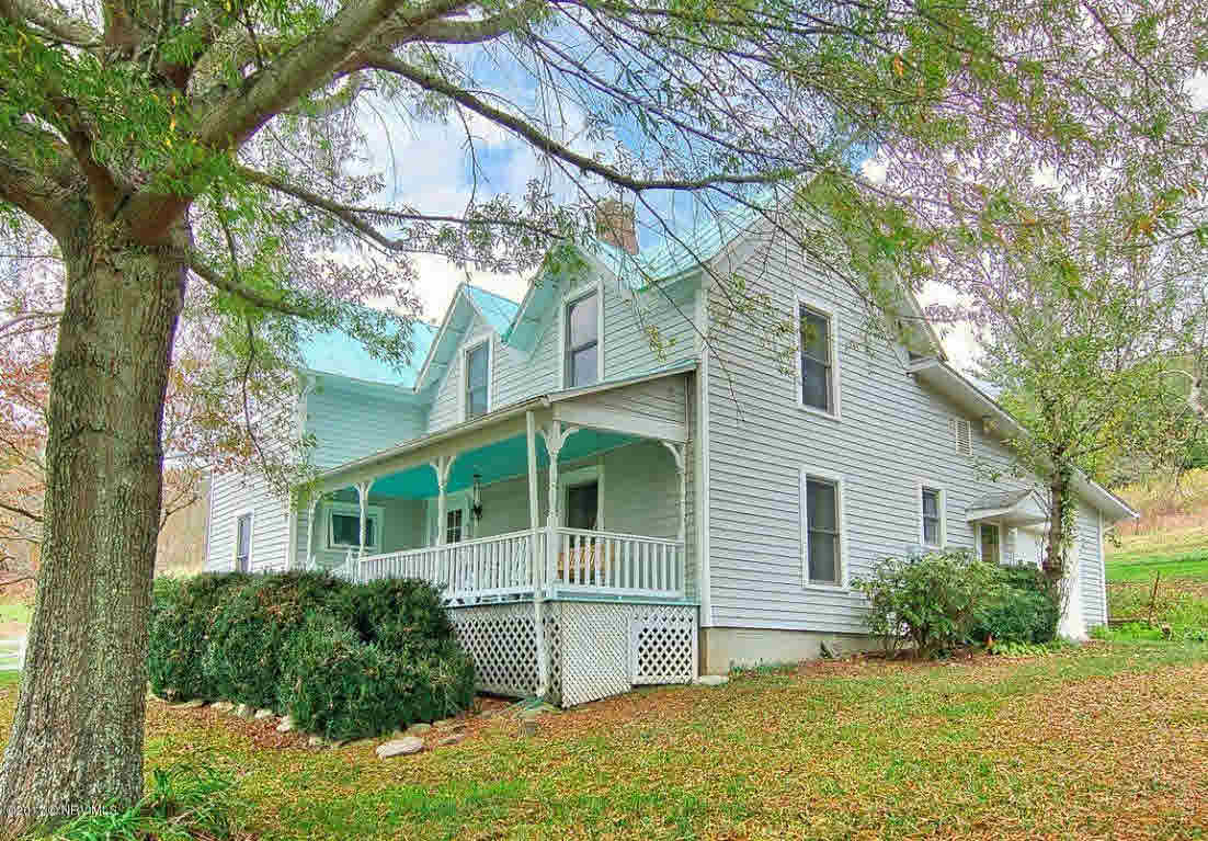 Detached, Farm House, Other - See Remarks, Victorian - Elk Creek, VA (photo 2)