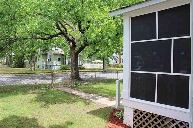 Cottage, Single Family - Millville, NJ (photo 4)