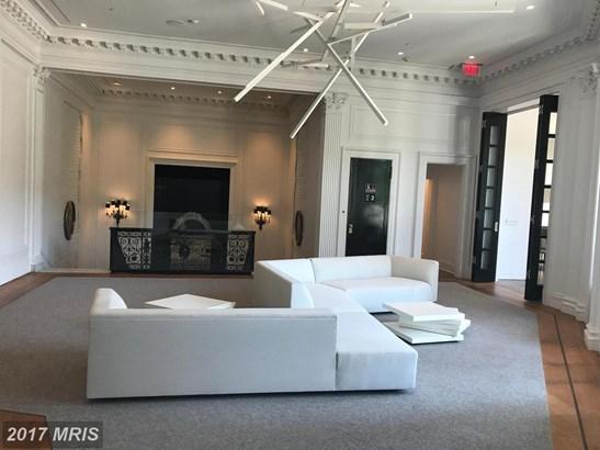 Mid-Rise 5-8 Floors, Traditional - WASHINGTON, DC (photo 3)
