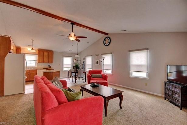 Ranch, Single Family - Newport News, VA (photo 3)