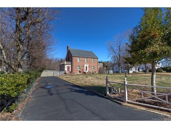 2-Story, Colonial, Single Family - Kilmarnock, VA (photo 2)