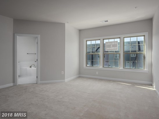 Townhouse, Contemporary - PIKESVILLE, MD (photo 5)
