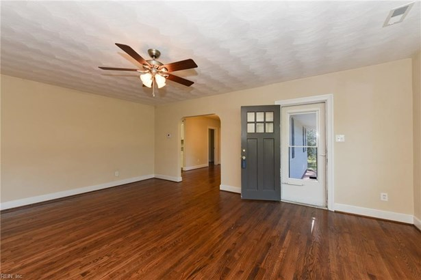 Ranch, Single Family - Newport News, VA (photo 5)