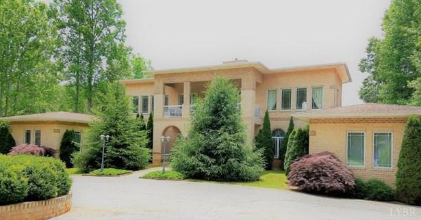 Single Family Residence, Contemporary - Amherst, VA (photo 1)