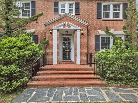 Colonial, Two Story, Single Family - Richmond, VA