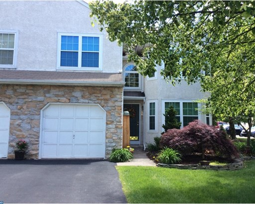 Row/Townhouse, Contemporary - MAPLE GLEN, PA (photo 1)