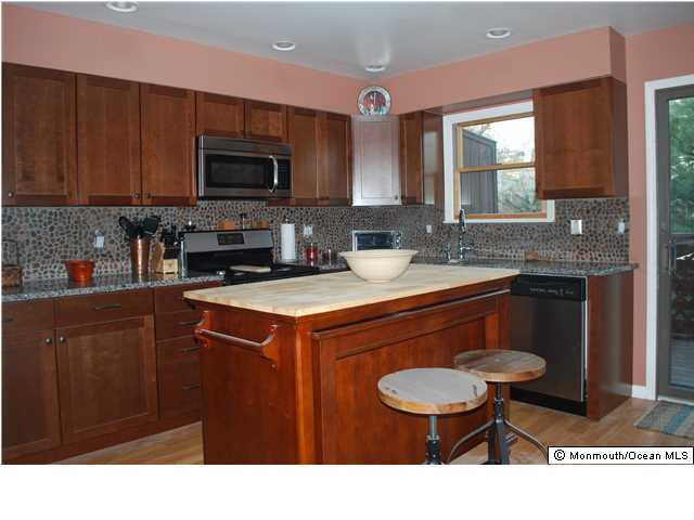 Attached, Townhouse, Townhouse/Condo - Highlands, NJ (photo 3)