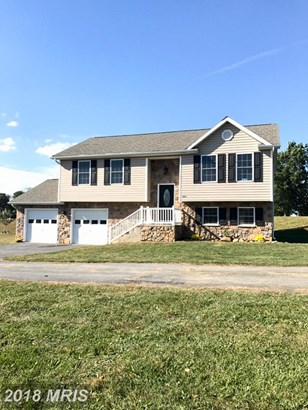 Split Foyer, Detached - SHIPPENSBURG, PA (photo 2)