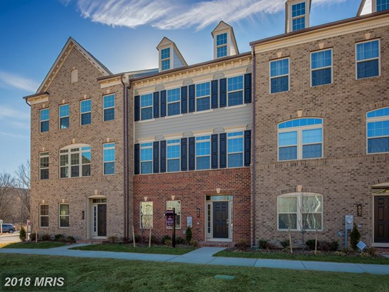 Townhouse, Traditional - PIKESVILLE, MD (photo 1)