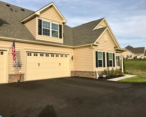 Carriage House, Row/Townhouse/Cluster - QUAKERTOWN, PA (photo 1)