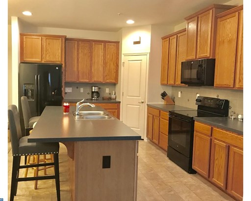 Carriage House, Row/Townhouse/Cluster - QUAKERTOWN, PA (photo 3)