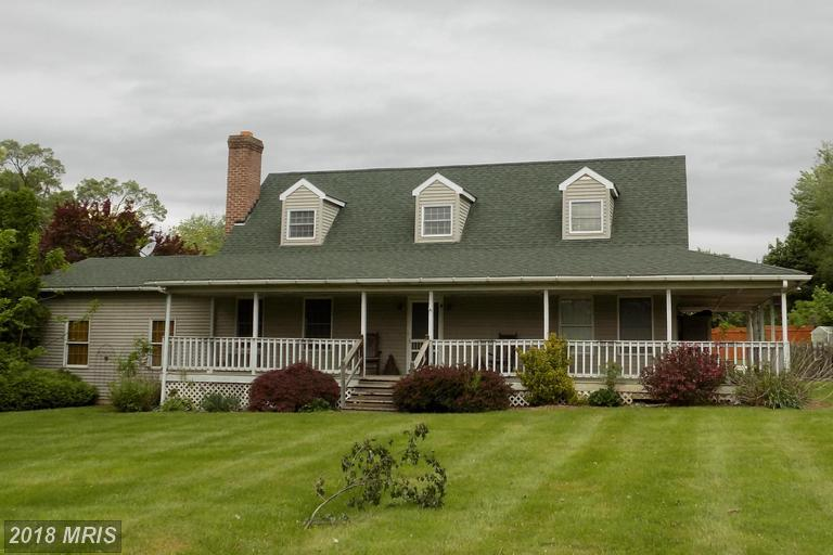 Cape Cod, Detached - MARTINSBURG, WV (photo 1)