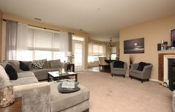 Lower Level, Condo - Manalapan, NJ (photo 5)