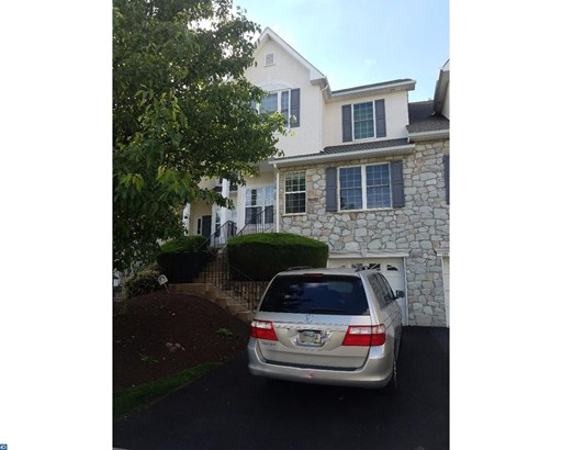 Colonial, Row/Townhouse/Cluster - DOWNINGTOWN, PA (photo 1)