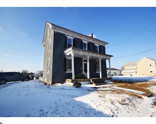 Colonial, Detached - PENNSBURG, PA (photo 2)