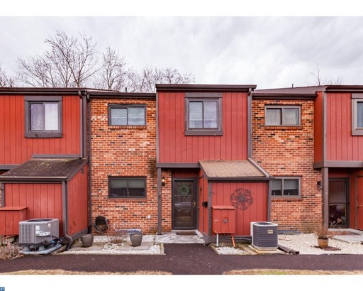 Row/Townhouse, StraightThru,Other - COLLEGEVILLE, PA (photo 1)