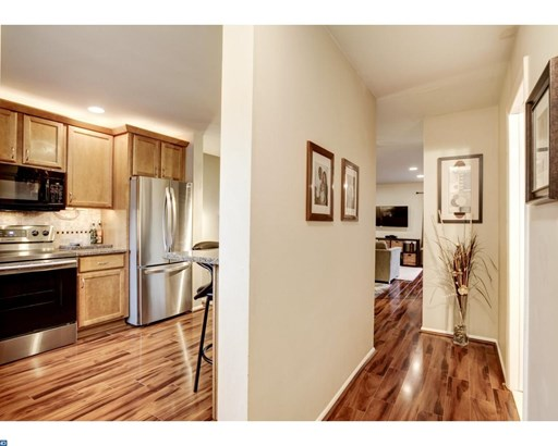 Row/Townhouse, StraightThru,Other - COLLEGEVILLE, PA (photo 2)