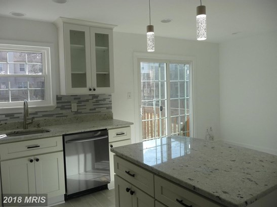 Townhouse, Contemporary - NORTH POTOMAC, MD (photo 3)