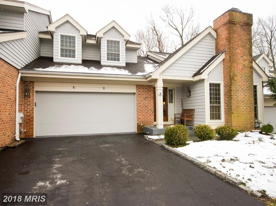 Colonial, Attach/Row Hse - LUTHERVILLE TIMONIUM, MD (photo 1)