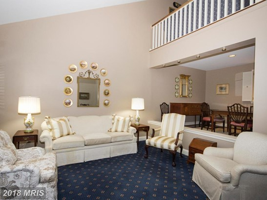Colonial, Attach/Row Hse - LUTHERVILLE TIMONIUM, MD (photo 4)