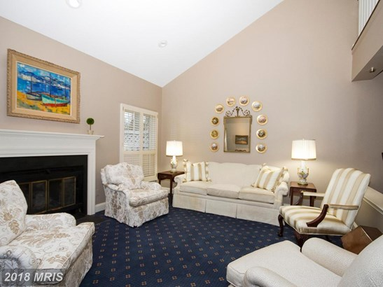 Colonial, Attach/Row Hse - LUTHERVILLE TIMONIUM, MD (photo 5)