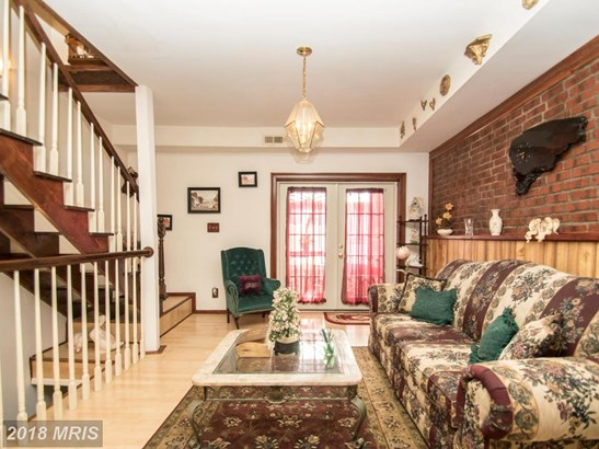 Transitional, Attach/Row Hse - BALTIMORE, MD (photo 4)