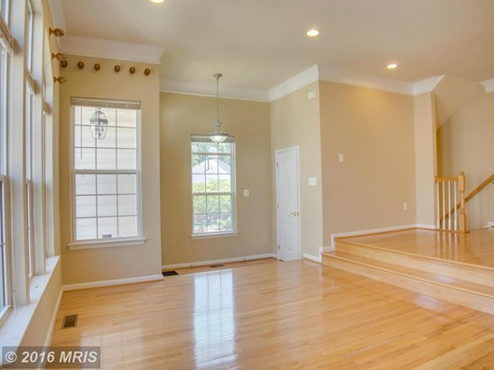 Townhouse, Traditional - MANASSAS PARK, VA (photo 3)
