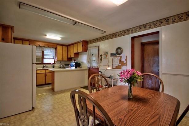 Ranch, Single Family - York County, VA (photo 3)