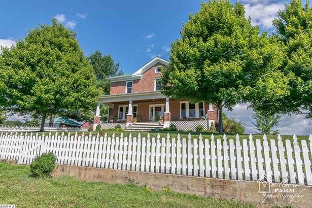 Farm House, Detached - STAUNTON, VA (photo 2)