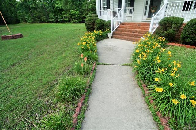 2-Story, Colonial, Single Family - Mechanicsville, VA (photo 2)