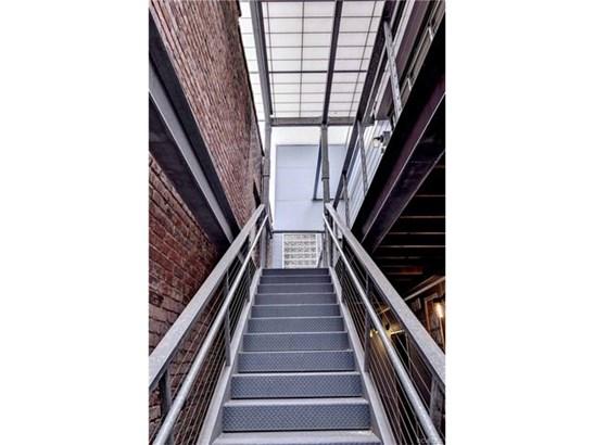Condo/Townhouse, Contemporary, Low-Rise - Richmond, VA (photo 2)