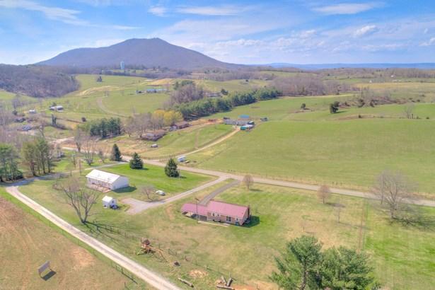 Ranch, Detached - Pulaski, VA (photo 3)