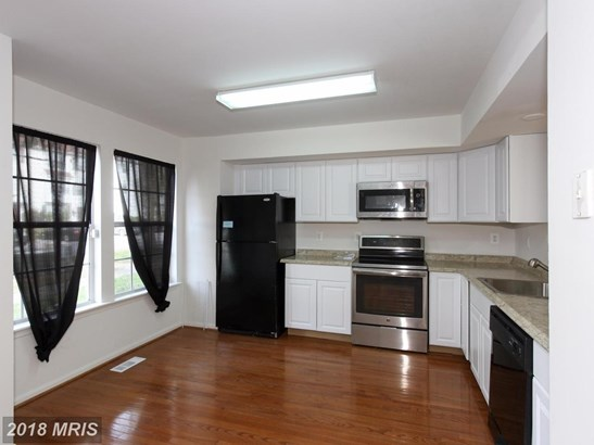 Townhouse, Traditional - PIKESVILLE, MD (photo 4)