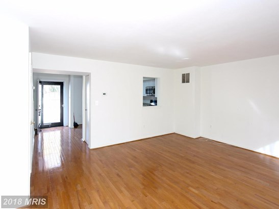 Townhouse, Traditional - PIKESVILLE, MD (photo 5)