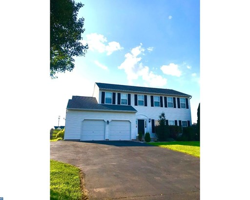 Colonial, Detached - GILBERTSVILLE, PA