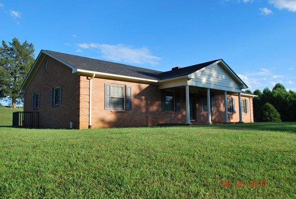 Residential, Ranch - Vinton, VA (photo 1)