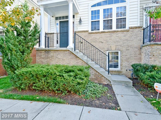Townhouse, Contemporary - LANDOVER, MD (photo 1)