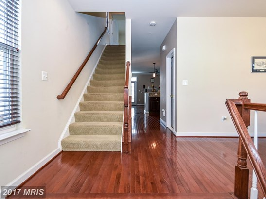 Townhouse, Contemporary - LANDOVER, MD (photo 4)