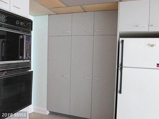 Hi-Rise 9+ Floors, Transitional - BALTIMORE, MD (photo 5)