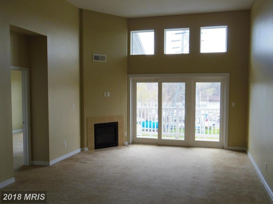 Garden 1-4 Floors, Contemporary - PERRYVILLE, MD (photo 2)