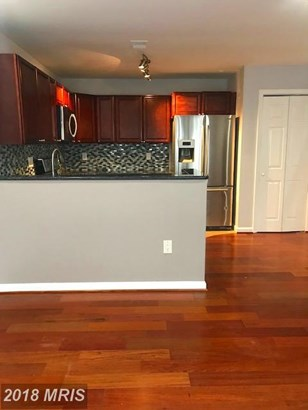 Townhouse, Contemporary - LORTON, VA (photo 4)