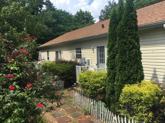 Residential, Ranch - Gretna, VA
