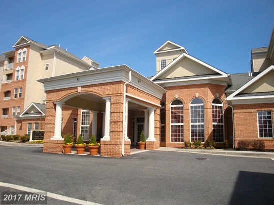 Rancher, Mid-Rise 5-8 Floors - COCKEYSVILLE, MD (photo 2)