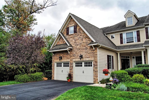 Townhouse, End of Row/Townhouse - NORRISTOWN, PA