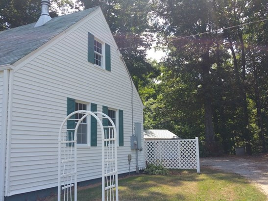 Cape Cod, Residential - Keysville, VA (photo 2)