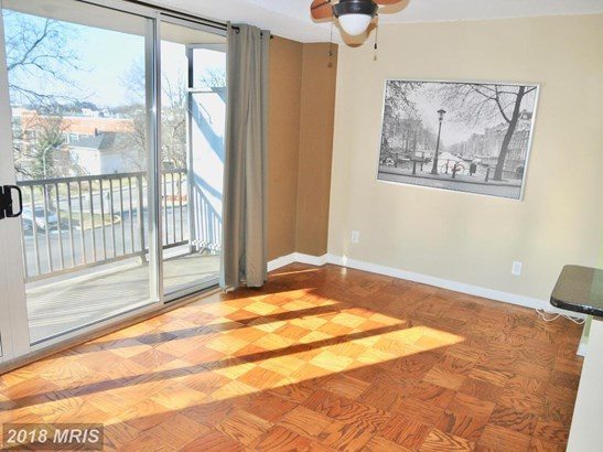 Mid-Rise 5-8 Floors, Traditional - HYATTSVILLE, MD (photo 4)
