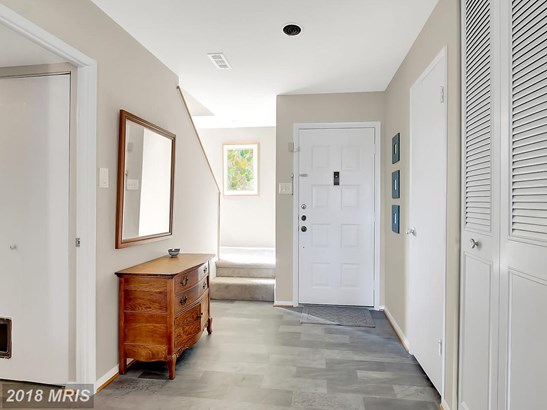 Townhouse, Contemporary - COCKEYSVILLE, MD (photo 2)