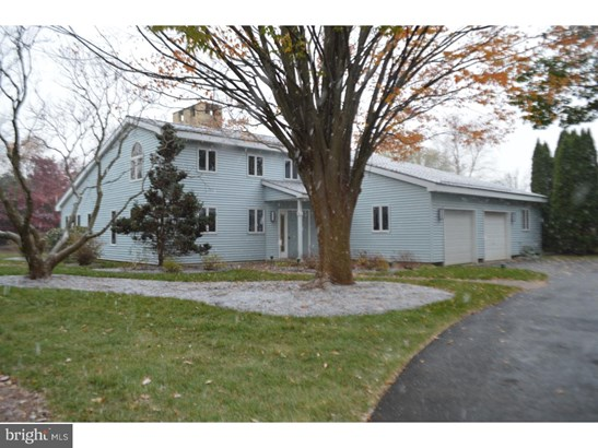 Detached, Single Family - LANSDALE, PA
